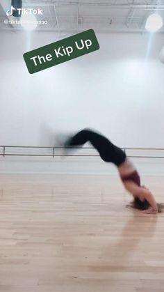 Gymnastics Moves, Gymnastics Tricks, Amazing Gymnastics, Acrobatic Gymnastics, Full Body Gym Workout, Gym Workout Tips, Fitness Workouts, Workout Challenge, Gymnastics For Beginners