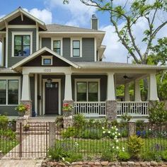 exterior house curb appeal-love the wrap around porch Craftsman Home Exterior, Craftsman Style Homes, Craftsman Bungalows, Exterior Paint, Exterior Design, Craftsman Front Porches, Craftsman Columns, Craftsman Door, Stone Exterior