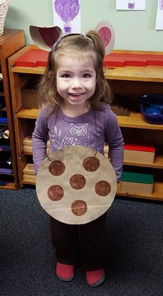 A picture from Read Across America Day at a Montessori school. Proudly holding a cookie from her favorite book, If You Give A Mouse A Cookie. We would love to see more of these great pictures and hear about what you did to celebrate. ‪#‎readacrossamerica‬