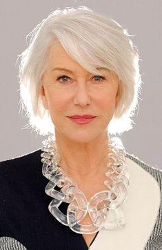 50 Best Hairstyles for Thin Hair Over 50 (Stylish Older Women Photos) Here are the best hairstyles for older women with thin fine hair. From short graduated bob to layered haircuts, these 50 women look so stylish! Hairstyles Over 50, Hairstyles For Round Faces, Short Hairstyles For Women, Cool Hairstyles, Medium Thin Hair, Short Thin Hair, Short Hair Cuts For Women, Short Cuts, Hair Styles 2016