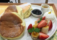 Dreaming in reality - Souffle Pancake at Innesfree, Myeong-dong.