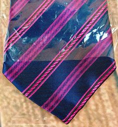 Kailong Men's Handmade Tie Silk Navy Blue With Pink Stripe New in Packaging Pink Stripes, Ties, Navy Blue, Packaging, Handmade, Ebay, Fashion, Tie Dye Outfits, Moda