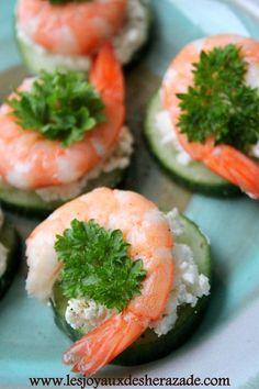 Amuse Bouche - cucumber, goat cheese, pepper, and shrimp. Shrimp Appetizers, Shrimp Recipes, Appetizer Recipes, Cooking Recipes, Healthy Recipes, Appetisers, Food Humor, Light Recipes, My Favorite Food