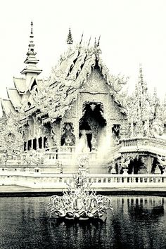 Wat Rong Khun, the white palace