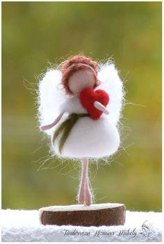 Lovely felt angel #needlefelted