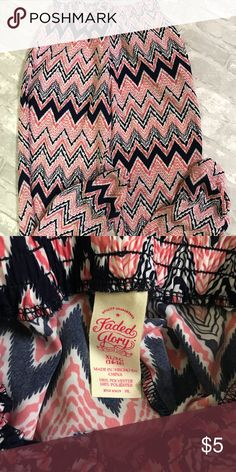 Faded Glory - big girls pants Size XL (14-26) lightweight patterned pants. Excellent condition. Faded Glory Bottoms