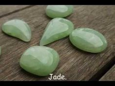 The basic recipe for a faux jade / aventurine in polymer clay is translucent mixed with a small amount of green (or several greens). Add a little bit of dried herbs, mica powders, paints, or what n… Polymer Clay Kunst, Polymer Clay Canes, Fimo Clay, Polymer Clay Projects, Polymer Clay Creations, Polymer Clay Beads, Clay Crafts, Polymer Clay Tutorials, Polymer Clay Recipe