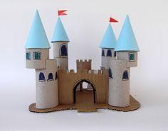 Princess palace with toilet paper rolls and cardboard. Kasteel knutselen van wc rollen en karton