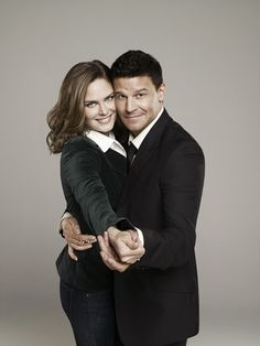 Brennan and Booth Dance on Bones