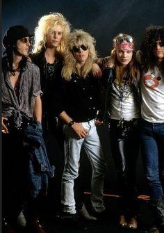 Guns N Roses, Axl Rose Slash, Steven Adler, Hair Metal Bands, 80s Rock Bands, Rose Music, Duff Mckagan, Gifs, Welcome To The Jungle