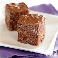 Triple Chunk Brownies with Chocolate Frosting. Triple Chunk Brownies with Chocolate Frosting are made with one simple and healthy ingredient. Triple Chunk Brownies with Chocolate Frosting a little lighter. Brownie Recipes, Cookie Recipes, Dessert Recipes, Best Brownie Recipe, Large Brownie Recipe, Old Time Fudge Recipe, Just Desserts, Delicious Desserts, Yummy Food