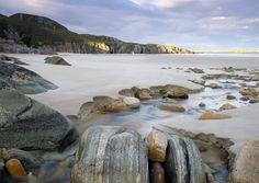Geological Assortment · Ceannebeinne · Sutherland © Ian Cameron