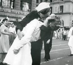 The Famous Sailor & The Nurse Photo celebrating the end of WWII in Times Square, NYC..USA!!!!!