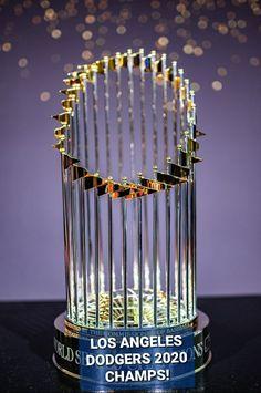 Los Angeles Dodgers 2020 MLB Championship Trophy! (Beautiful) Dodgers Girl, Dodgers Baseball, Cody Bellinger, Better Baseball, Sporting Live, Championship Rings, Mlb Teams, Go Blue, Stars