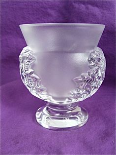 French LALIQUE Crystal Cloud Acanthus Leaf Vase