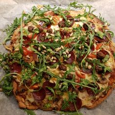 Smakfull Lavkarbo Pizza Med Fathead Deig Chorizo, Vegetable Pizza, Vegetables, Food, Meal, Essen, Vegetable Recipes, Hoods, Meals