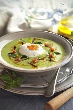 este plato, no son tan calóricas como se cree: solo 80 cal. por 100 g. Pea Recipes, Soup Recipes, Vegetarian Recipes, Cooking Recipes, Recipies, Menu Leger, Carpaccio, Healthy Recepies, Food Decoration