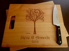 Lovely personalized chopping board  #diygifts #guidesforbrides