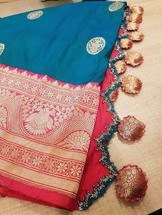 Latest Saree Kuchu/Tassel Designs to Beautify Your Saree Saree Tassels Designs, Saree Kuchu Designs, Saree Blouse Neck Designs, New Blouse Designs, Blouse Patterns, Embroidery Saree, Gold Embroidery, Lace Decor, Elegant Saree