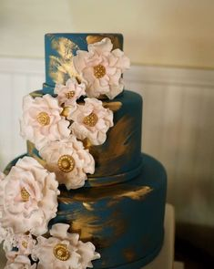 Wedding cake idea; Featured: Cake Expressions by Lisa