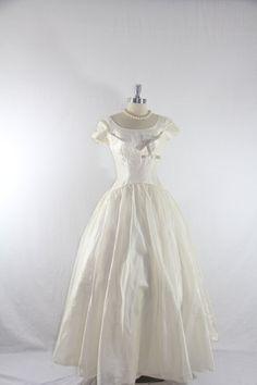 1950s WEDDING GOWN  | 1950s Vintage Wedding Dress - White Organdy Long Wedding Gown
