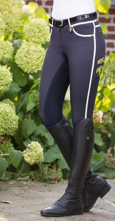 These form fitting breeches are high quality with piping that stands out, and a gorgeous alos seat fixes you firmly in the saddle. - breathable - dirt resistant - soft and comfortable, with elastic ankle - best quality