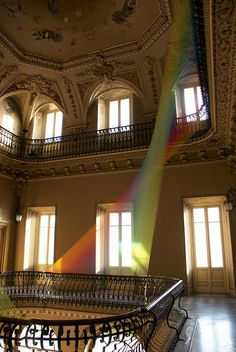 Gabriel Dawe - rainbow string art