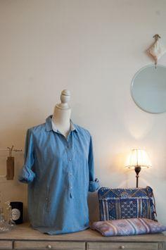 #Camisa vaquera y #bolos de #misterce en #nelybelula #conceptstore