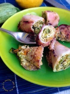 Calamari ripieni Fish Recipes, Lunch Recipes, Easy Dinner Recipes, Seafood Recipes, Gourmet Recipes, Vegan Junk Food, Fish Dishes, Fish And Seafood, Italian Recipes
