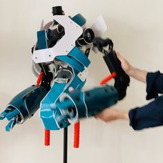 Did you ever attend an arm fitting with robots? Even without head they can be very impatient and bossy. Master Shiitake, please hold still! Robots, Arm, Arms, Robot