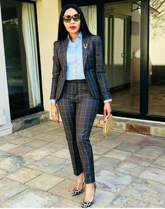And I've gathered some corporate outfits from the gram that'll get you inspired and looking all… Office Outfits Women, Casual Work Outfits, Business Casual Outfits, Work Attire, Classy Outfits, Chic Outfits, Fashion Outfits, Business Attire, Business Chic