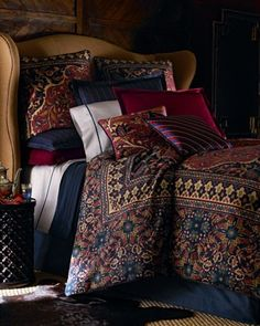 I don't normally like bedding so dark, but this looks so cozy! RL Poet Society Bedding