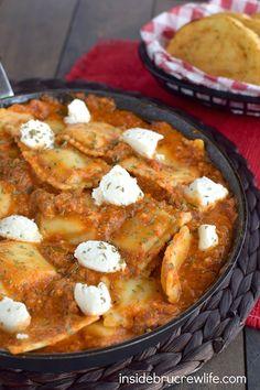 Easy Skillet Lasagna Ravioli @FoodBlogs