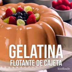 Floating Gelatin Video of Cajeta, Desserts, This incredible and delicious cajeta floating gelatin will be the sensation at home. A dessert with a lot of flavor that everyone will love. Gelatin Recipes, Jello Recipes, Gourmet Recipes, Sweet Recipes, Cooking Recipes, Cooking Time, Salad Recipes, Healthy Recipes, Köstliche Desserts