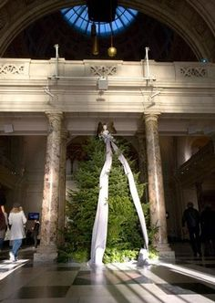 Victoria  Albert Museum (London) Christmas Tree 2007, designed by Boudicca © Victoria and Albert Museum, London