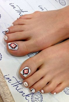 nails- I like the big toe best And maybe make the other nails a coral color Naaiiilllllsss | Nail toe nail designs