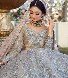 Pakistani Bridal Makeup, Bridal Sari, Pakistani Fashion Party Wear, Asian Bridal Dresses, Pakistani Bridal Dresses, Shadi Dresses, Bridal Dress Design, Engagement Dresses, Desi Wedding