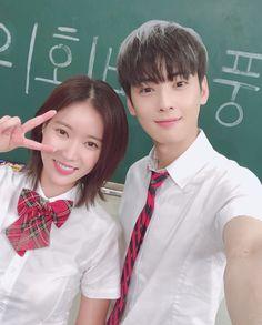 I like the drama first then after reading the webtoon I come to like them both. Korean Actresses, Korean Actors, Actors & Actresses, Drama Korea, Kpop Couples, Cute Couples, Korean Drama Romance, K Drama, Cha Eunwoo Astro