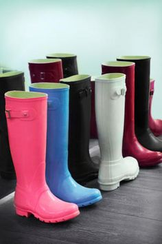 Rain boots shopping guide! Cheap, girly, masculine and more.