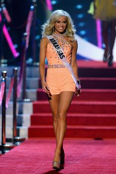 How to Get Perfect Pageant Legs | http://thepageantplanet.com/how-to-get-perfect-pageant-legs/