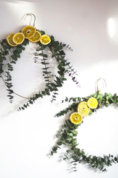 http://www.ohohblog.com/2018/01/winter-wreath-youll-want-keep-year-long.html