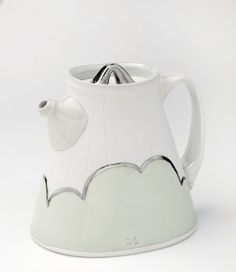 Anderson Bailey's teapot. Learn more about Anderson Bailey, and Bean and Bailey Ceramics, plus the other 5 working potters featured in the June/July/August 2015 issue of Ceramics Monthly here: http://ceramicartsdaily.org/ceramics-monthly/ceramics-monthly-junejulyaugust-2015/