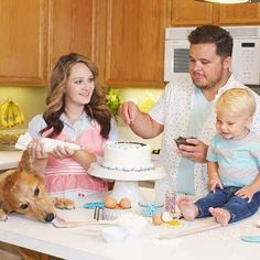 We are a Southern California entreprenueral family of 4 that likes to live life to the fullest. We share our honest day-to-day life in video form for you to . Missy Lanning, Bryan Lanning, Top Youtubers, Daily Bumps, Squad Goals, Family Goals, Cute Photos, Instagram, Children