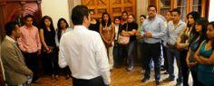 Compartiendo puntos de vista con los los alumnos del Noveno Semestre de la Sección 25 de la Facultad de Administración de la Universidad Michoacana de San Nícoles de Hidalgo;