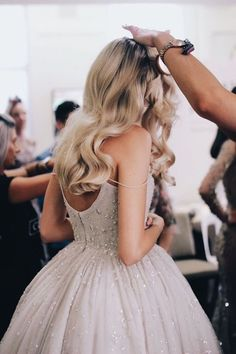 wedding hairstyles for long hair Hollywood waves for long hair waves for long hair 5 Long Hair Waves, Wavy Hair, Blonde Hair, Fairytale Gown, Hollywood Waves, Make Up Braut, Wedding Hairstyles For Long Hair, Gorgeous Hairstyles, Hair Wedding