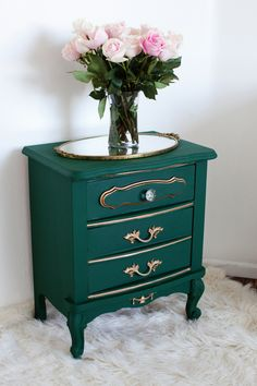 Table Makeover with Chalk Paint® by Annie Sloan | Amsterdam Green | Melodrama Blog