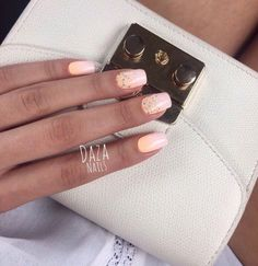 Bright gradient nails, Glitter nails ideas, Ideas of gradient nails, Nails with orange color, Obmre nails, Orange and white nails, Orange nails, Summer gradient nails