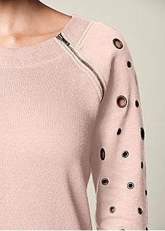 Zipper Detail Sweatshirt from VENUS women's swimwear and sexy clothing. Order Zipper Detail Sweatshirt for women from the online catalog or Diy Pullover, Diy Clothes, Clothes For Women, Sweatshirt Refashion, Fashion Details, Fashion Design, New Fashion, Womens Fashion, Dressmaking