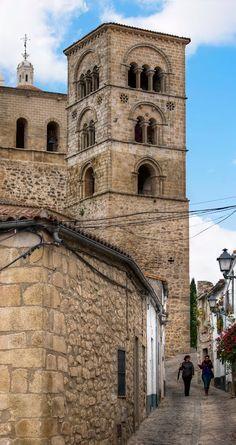 Por la calle Victoria,Trujillo, Cáceres, Spain