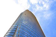 Milano Porta Garibaldi, Torre Unicredit - Architetto César Pelli  #architecture #sky #milan #blue #architecturelover #clouds #skylover #architettura #landscape #panorama #paesaggio